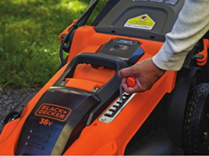 BLACK+DECKER 36 V Lithium-Ion Autosense Mower image 3