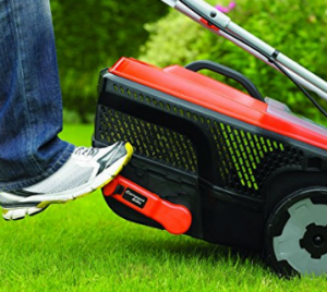 BLACK+DECKER Edge-Max Lawn Mower with 34 cm Cut  image 2